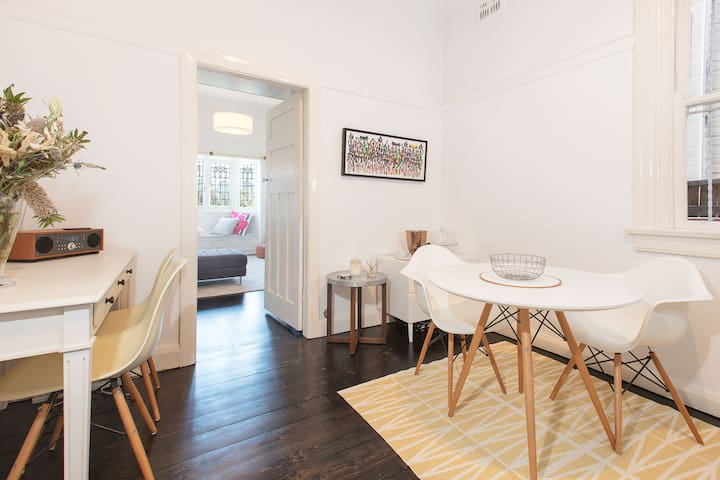 Character 1 bed home - ideal North Sydney location - North Sydney - Apartment