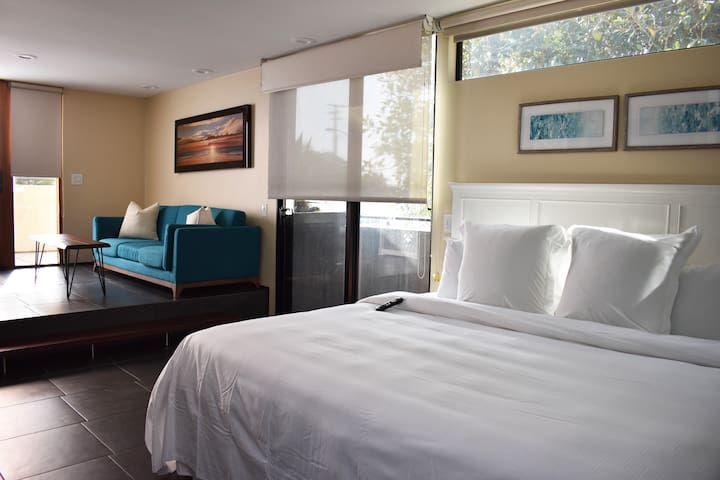 14 West Boutique Hotel, Deluxe PCH Queen Room