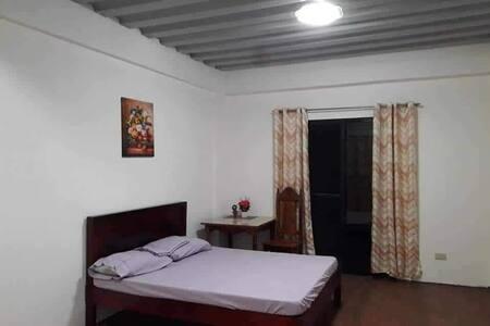 Alvarezo guests House