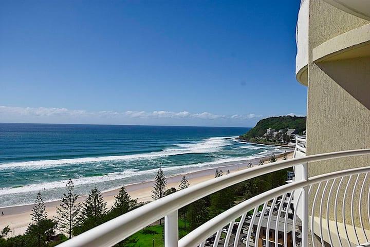 Burleigh Heads Ocean Views 16th Floor Apartment
