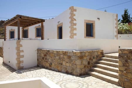Luxury house with a spectacular view to the Aegean