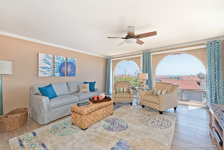 Vacation on our Sunny, Oceanview Deck!