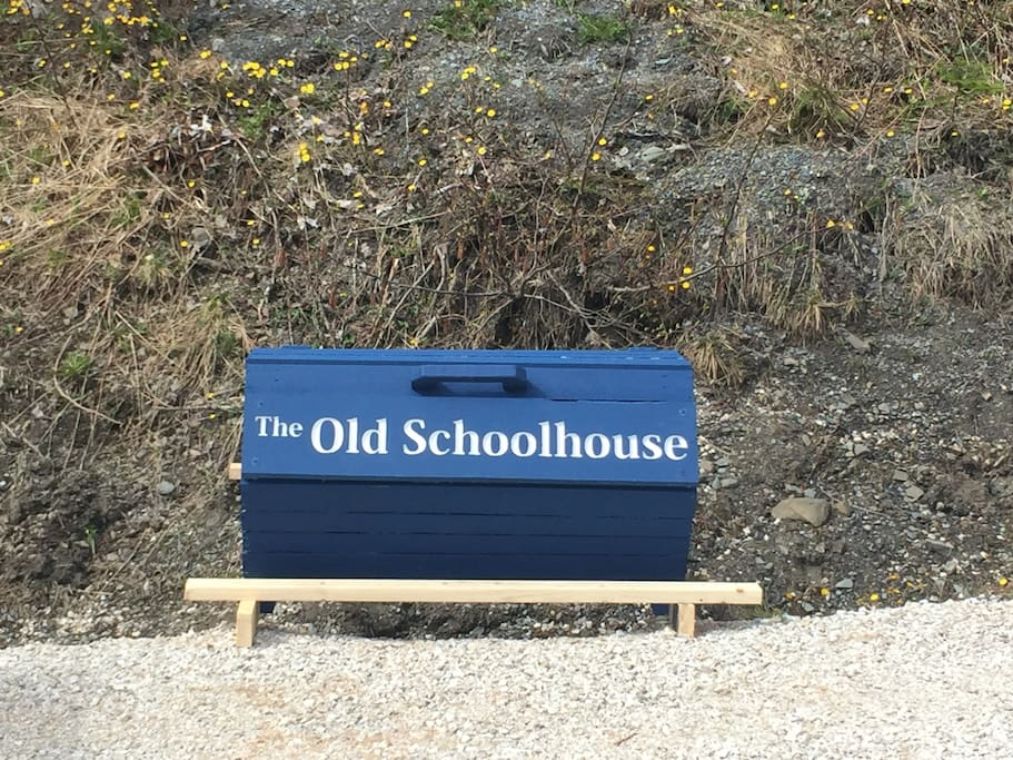 Sign at bottom of driveway.