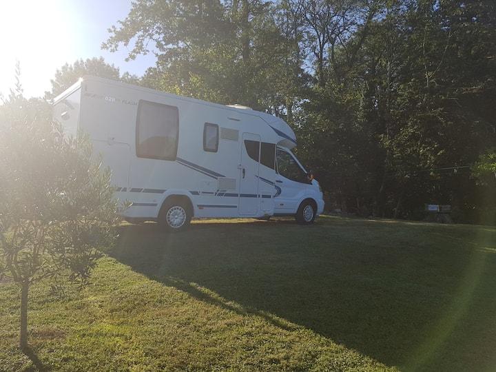 Rare ! Camping car sur terrain privé vue montagne