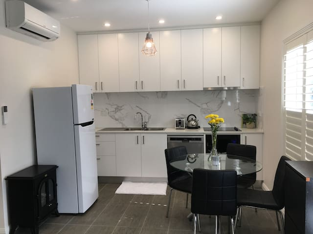 Roseville/Chatswood Guesthouse
