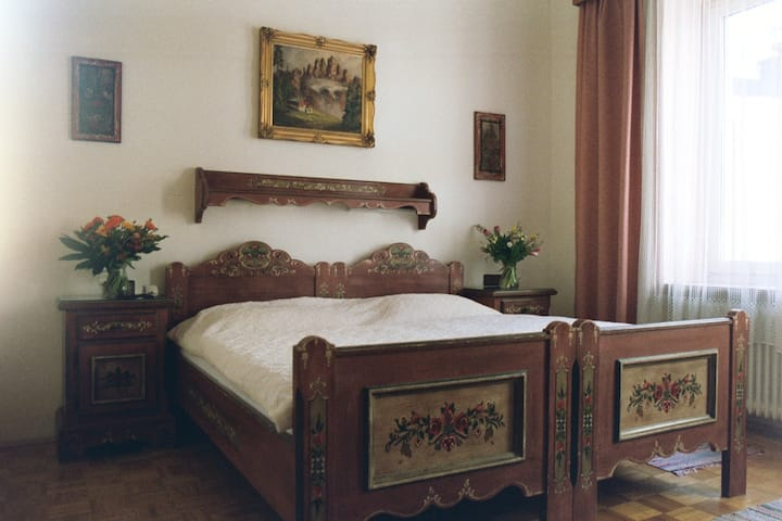 A Double room with Breakfast in our B&B near Salzburg main station and Old Town