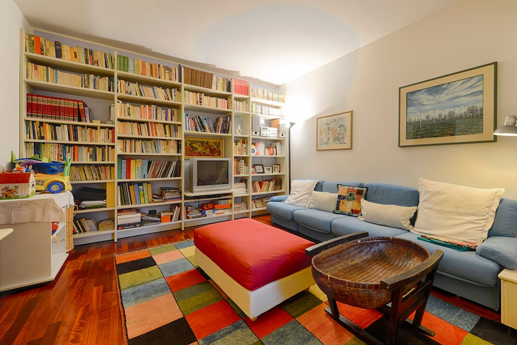 Reading and play room
