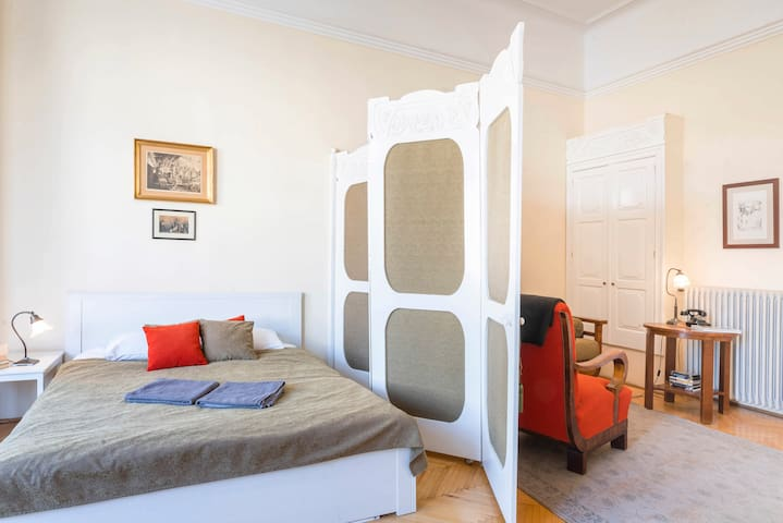 Boudoir provides separate private living space for those in second bedroom