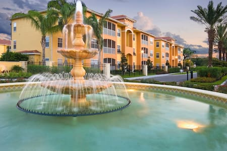 Luxurious Condo on major Highways & Brandon Mall - Tampa - Lejlighed
