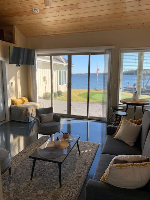 Lake Balboa Lodge Getaway