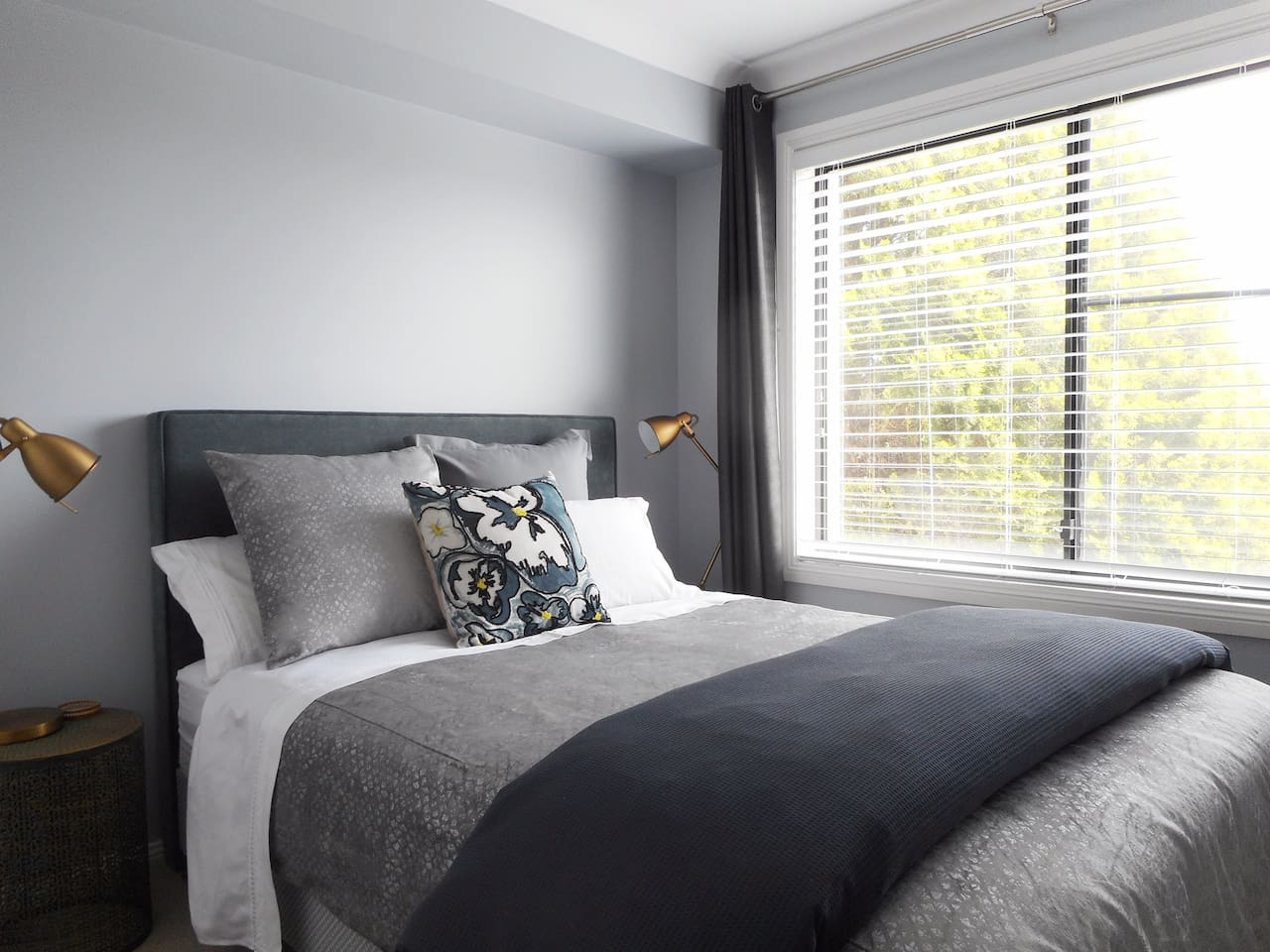 Comfortable bed and quality linen for a wonderful night