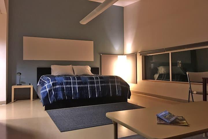 Hood River Hostel:   Master Room (w/bath)