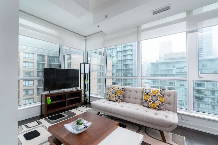 New Fashion District 2BR + 2Bath + Parking - MTCC