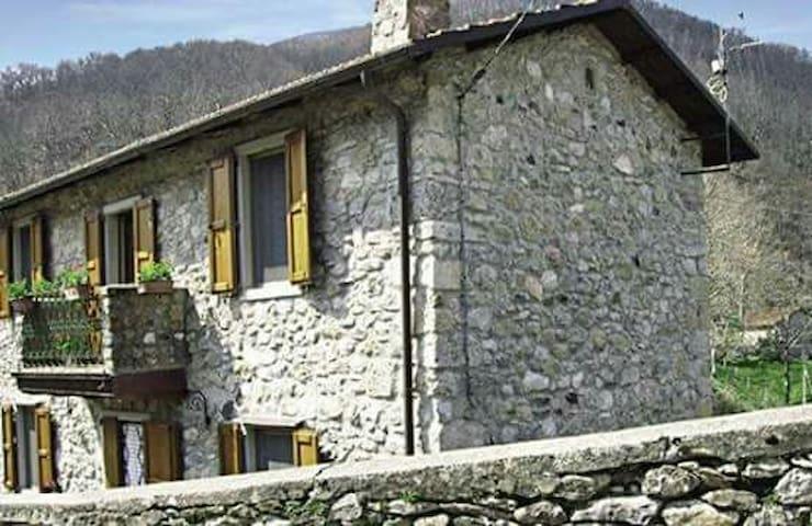 Tradizionale casa della garfagnana - Vagli Sotto - House