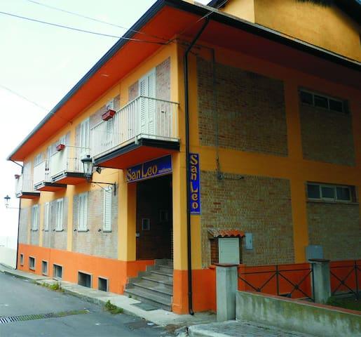 Residence sanleo appartamenti per vacanze - Briatico - Bed & Breakfast