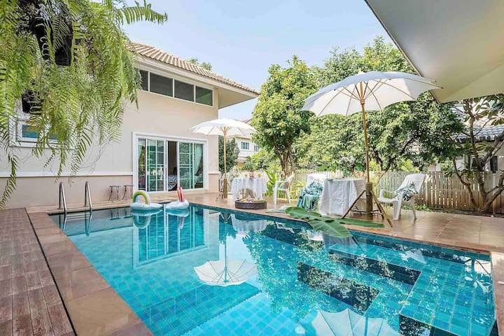 【5 Bedroom pool villa】good location,clean and tidy