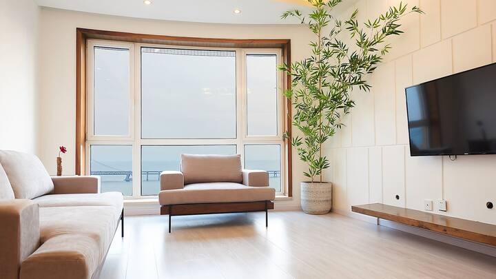 星海广场与圣亚海洋世界居中房子2室2厅  180°海景套内设施齐全,108㎡ 给您一个在大连的家