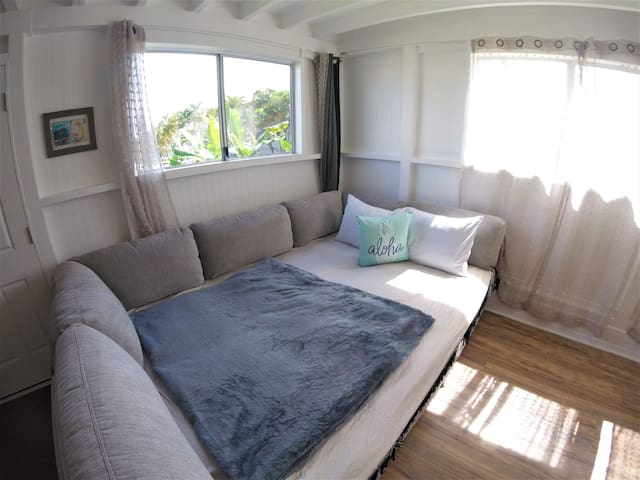 the third sleeping option for your friends and family to sleep (you can push it easily together and turn it into a bed if needed)