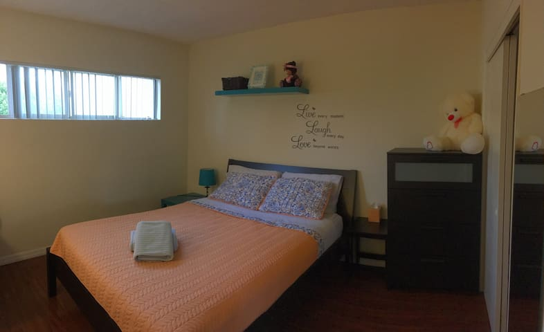 Comfy Private Room/PARKING - Los Angeles - House