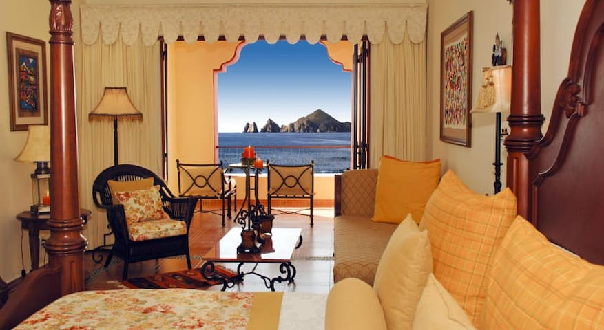 """<span class=""""item-title ng-binding"""" style=""""font-weight: 700; display: block; font-size: 16px; text-align: start; white-space: normal;"""">1-BR OCEAN VIEW STUDIO IN CABO SAN LUCAS</span>"""