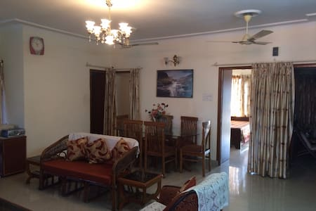 Centrally Located Beautiful 3bdr Apt w/ Doorman - Chandigarh - Apartment