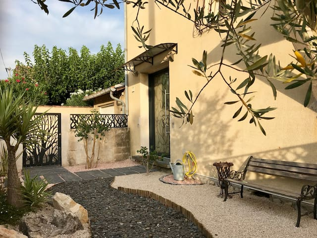 Comme en vacances à Laudun (Nîmes Avignon Orange)