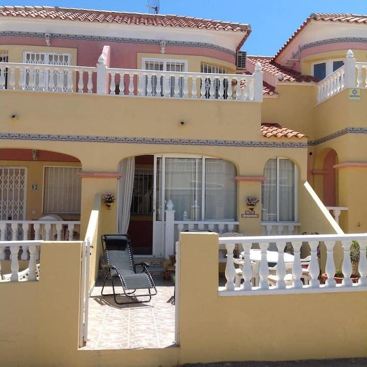 2 bedroom house, Villamartin area, Orihuela Costa