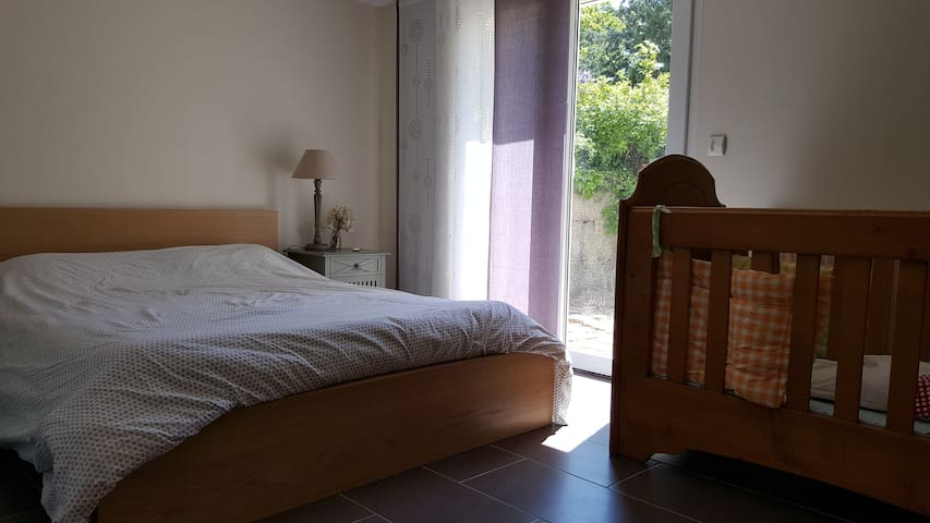 Independent room with bathroom, toilets, terrasse - Péron - 其它