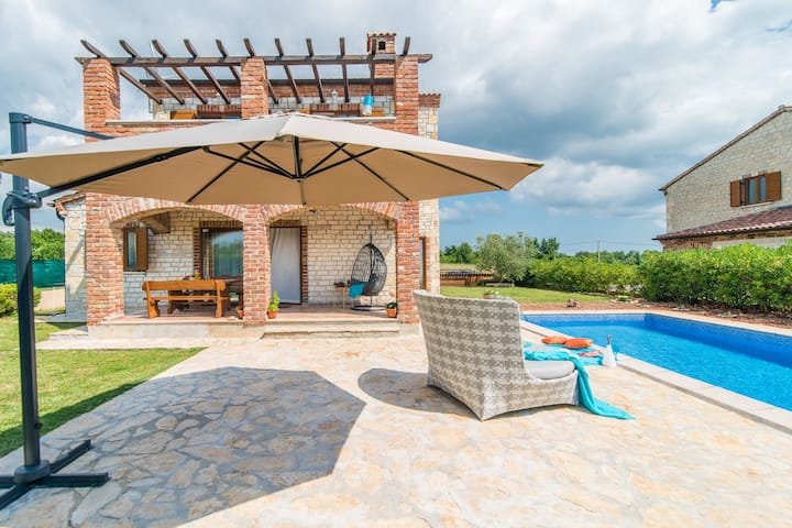 Beautiful authentic stone holiday house with private swimming pool and garden