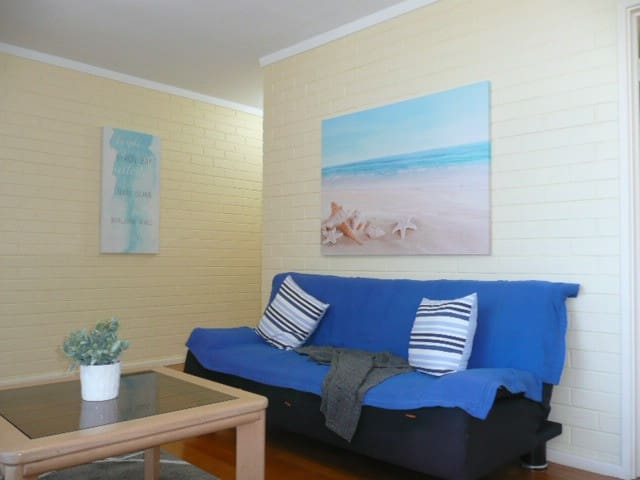 Welcome To 'The Eagle's Nest'. 0-5 years stay free - Mosman Park - Apartamento