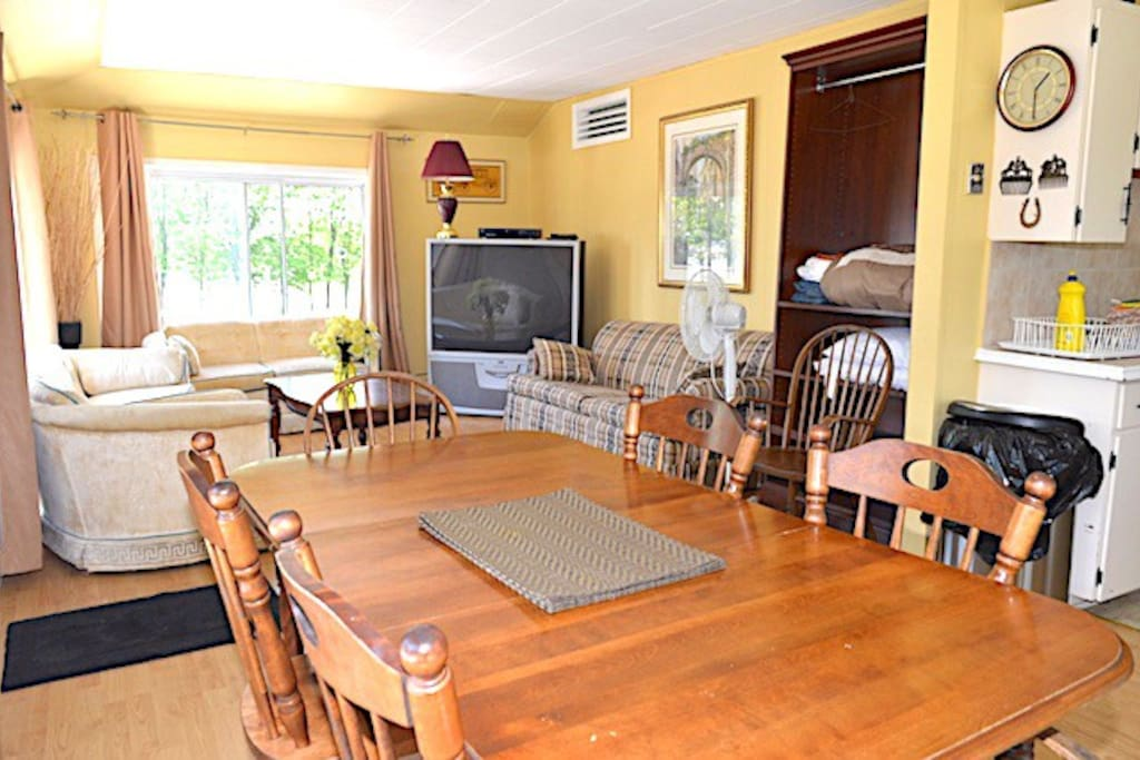 Rooms To Rent Iroquois