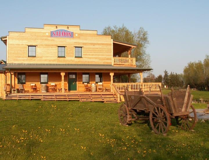 schönes Gästezimmer 2 auf der Horse Lake Ranch