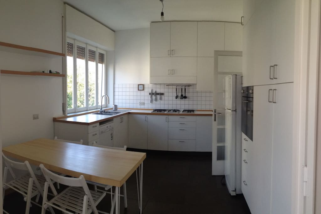 habitable and equipped kitchen (including dishwasher and washing machine)