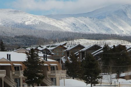 Ski condo, family friendly, great Fraser location - Fraser