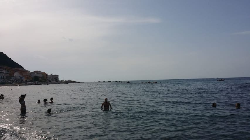 Acqualadroni - Mar Tirreno - Messina