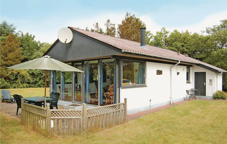 Holiday cottage with 2 bedrooms on 70m² in Tarm