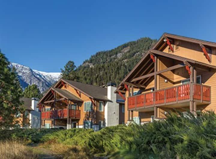 Leavenworth 2BR Resort Walk to Town Sleeps 6!