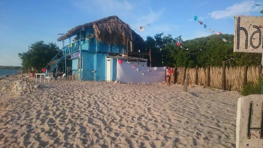 Los Arrecifes Hostal frente al mar - Barú