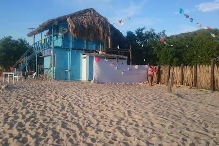 Arrecifes, habitacion privada frente al mar - Barú