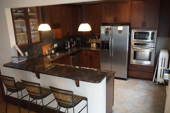 We love to cook and have a fully stocked kitchen that you're welcome to use.