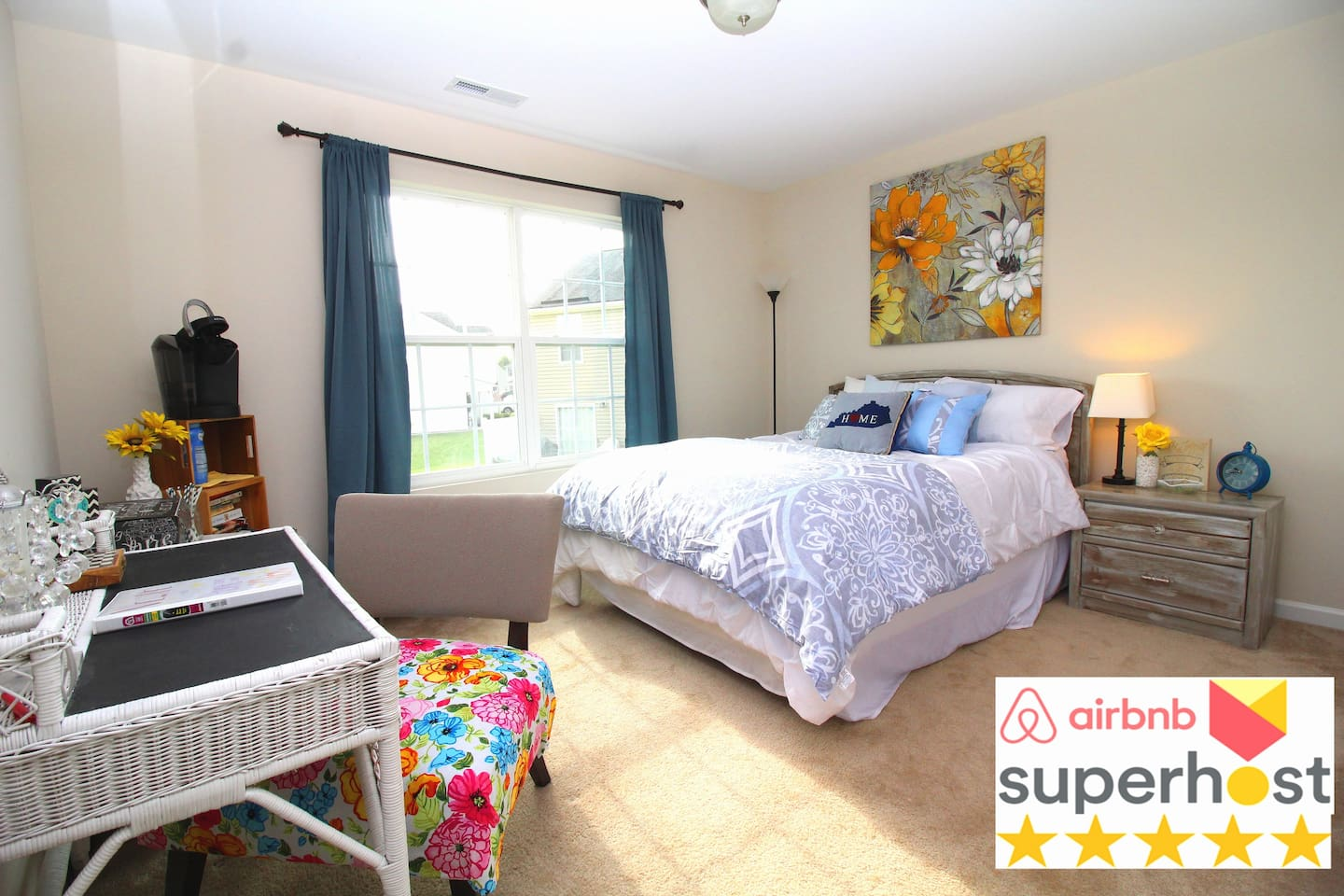 Private upstairs room overlooking neighborhood with Queen Bed. Affordable 5 ★ comforts and sparkly clean! Located next to Elon University and central location in Burlington and the town of Elon.