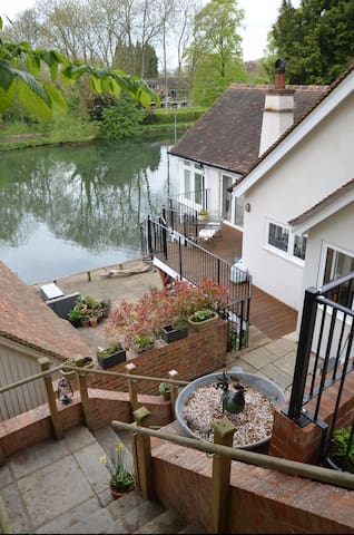 Howgate Boathouse - a stunning riverside home - Goring - Casa