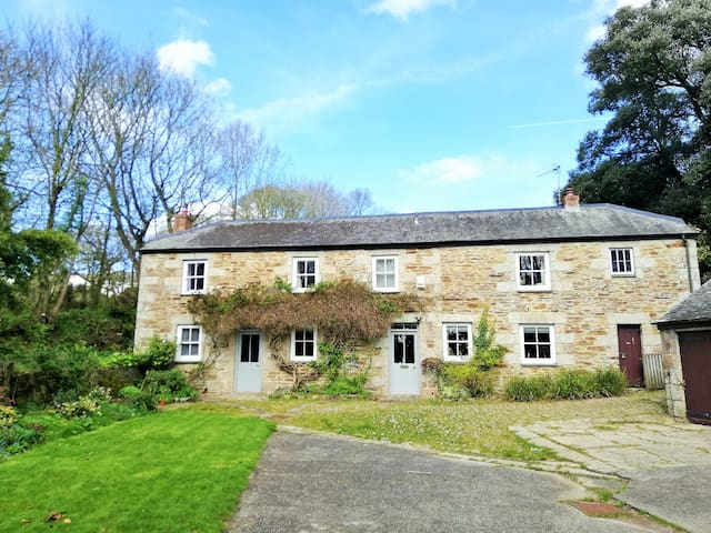 Gardeners Cottage - near Falmouth