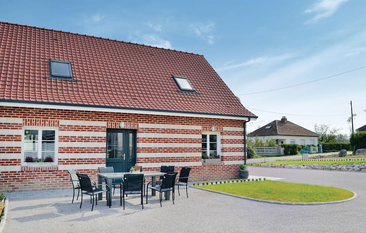 Semi-Detached with 3 bedrooms on 140 m² in Renty