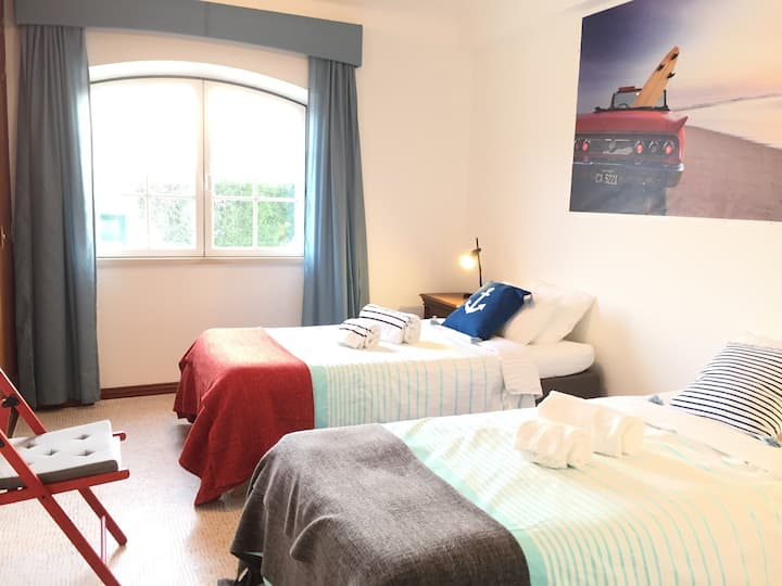 Double/Twin Bedroom 1 - Surf Riders & Co Ericeira