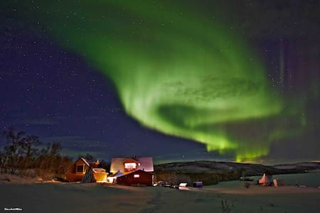 The Northern light cabin by salmon river of Tana.