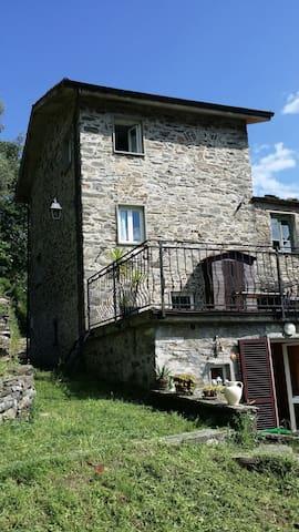 Ferienhaus Casa Primavera - Calice Al Cornoviglio - บ้าน