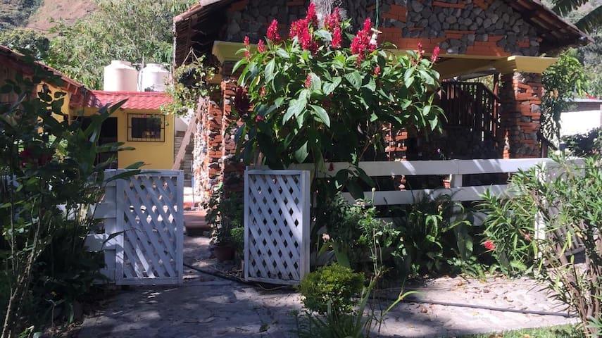 cabanas de tzununa 3