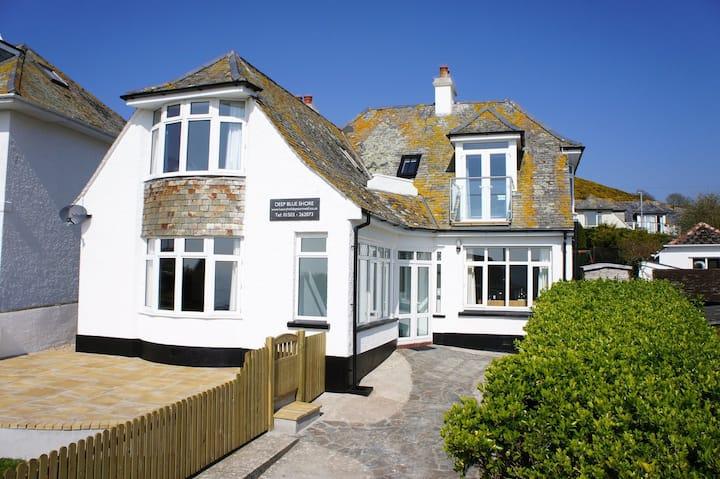 Stunning Coastal Cottage with Views