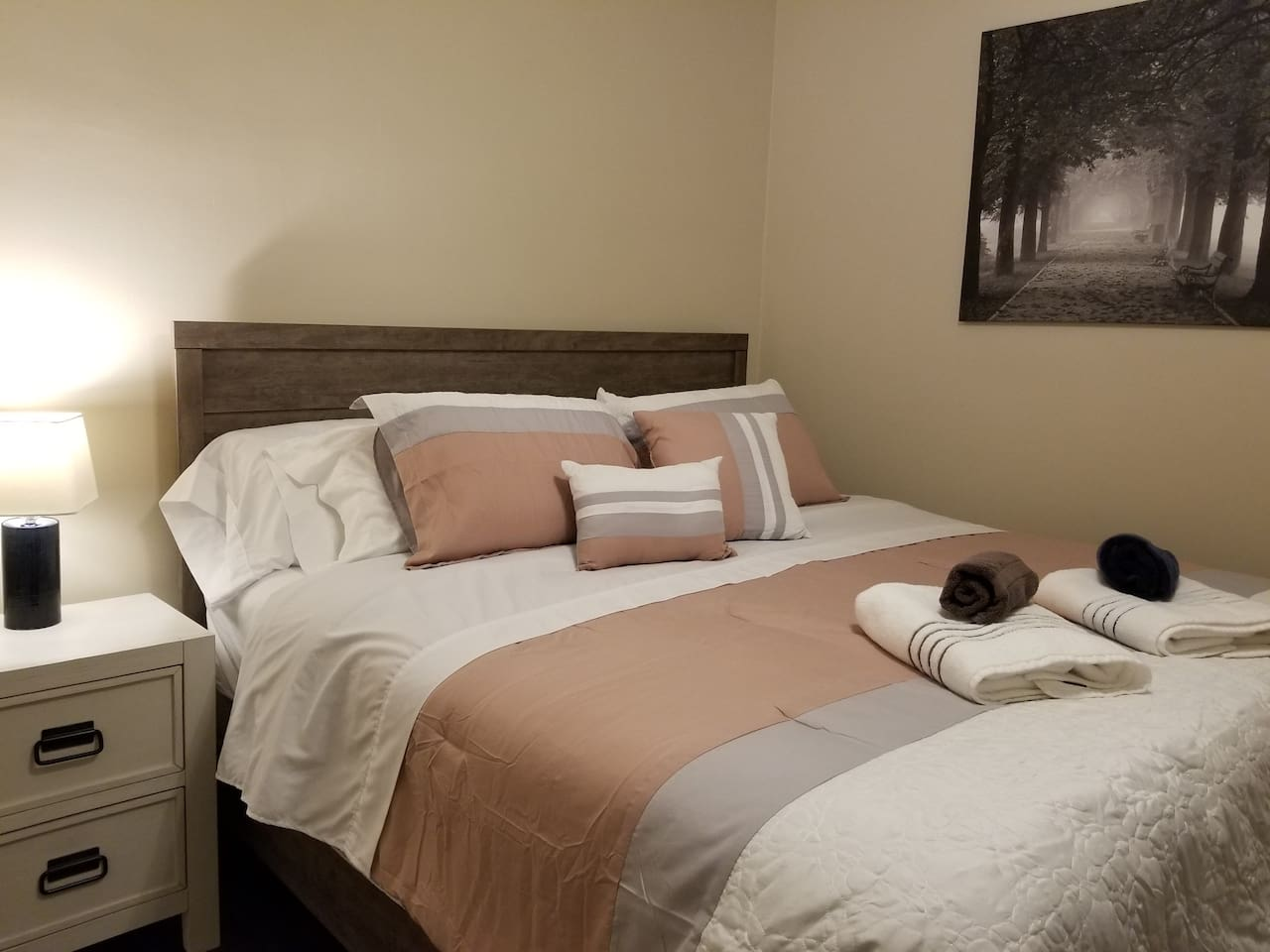 Luxury King Bed and Towels!